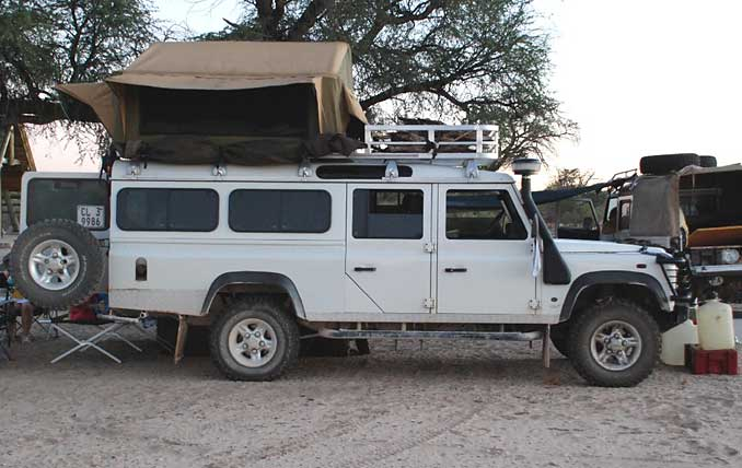 Landrover Defender Offroad 4x4 Rooftop Tent
